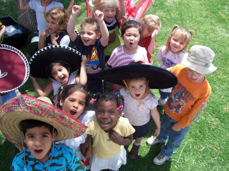 kids with sombreros