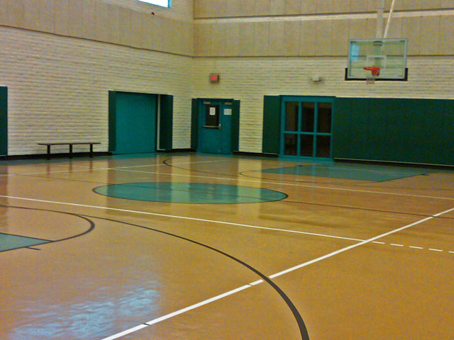 gymnasium/basketball court