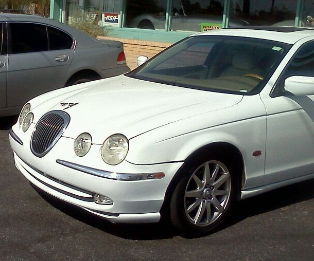 Picture of Actual Vehicle last Driven by Victim - White 2001 Jaguar S-Type 4-door sedan, Arizona Plate APR5430